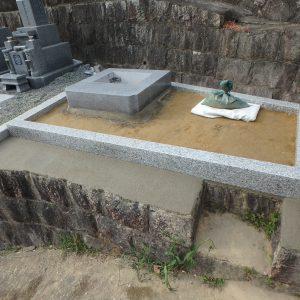 今年1月末にHP~メールを頂いたお客様のお墓が完成します。
