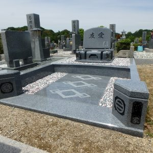 堺市霊園での洋型墓石完成