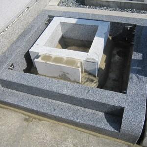 堺市中区 地域墓地での外柵工事。
