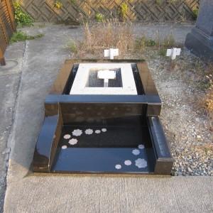 和泉市設墓地での外柵工事。