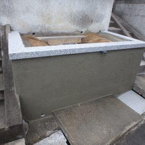 和泉市で石碑基礎工事。