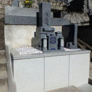 和泉市で石碑完成工事、泉大津市で外柵基礎工事。