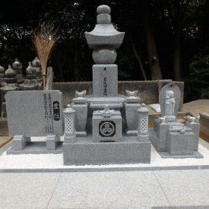 お彼岸前のお墓の工事が完成しました。