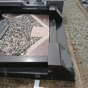 大阪府北部でお墓の修復工事(なぜこの様になるのでしょうか)