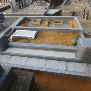 堺市南区でお墓工事 (外柵据付工事・石碑基礎工事)