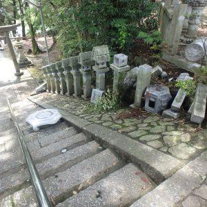 茨木市の神社にて地震被害状況