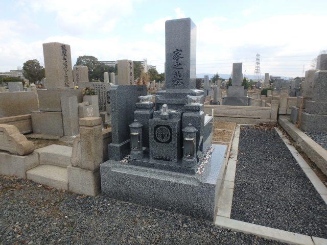 お墓施工例1-45 瓜破霊園 中国産石 黒龍K12Aを使ったお墓