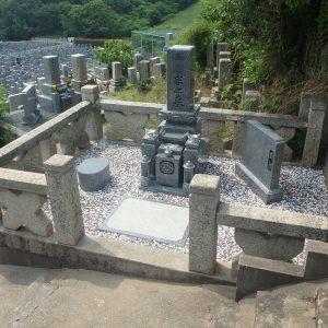 和泉市で天山石『銀剛』の石碑工事