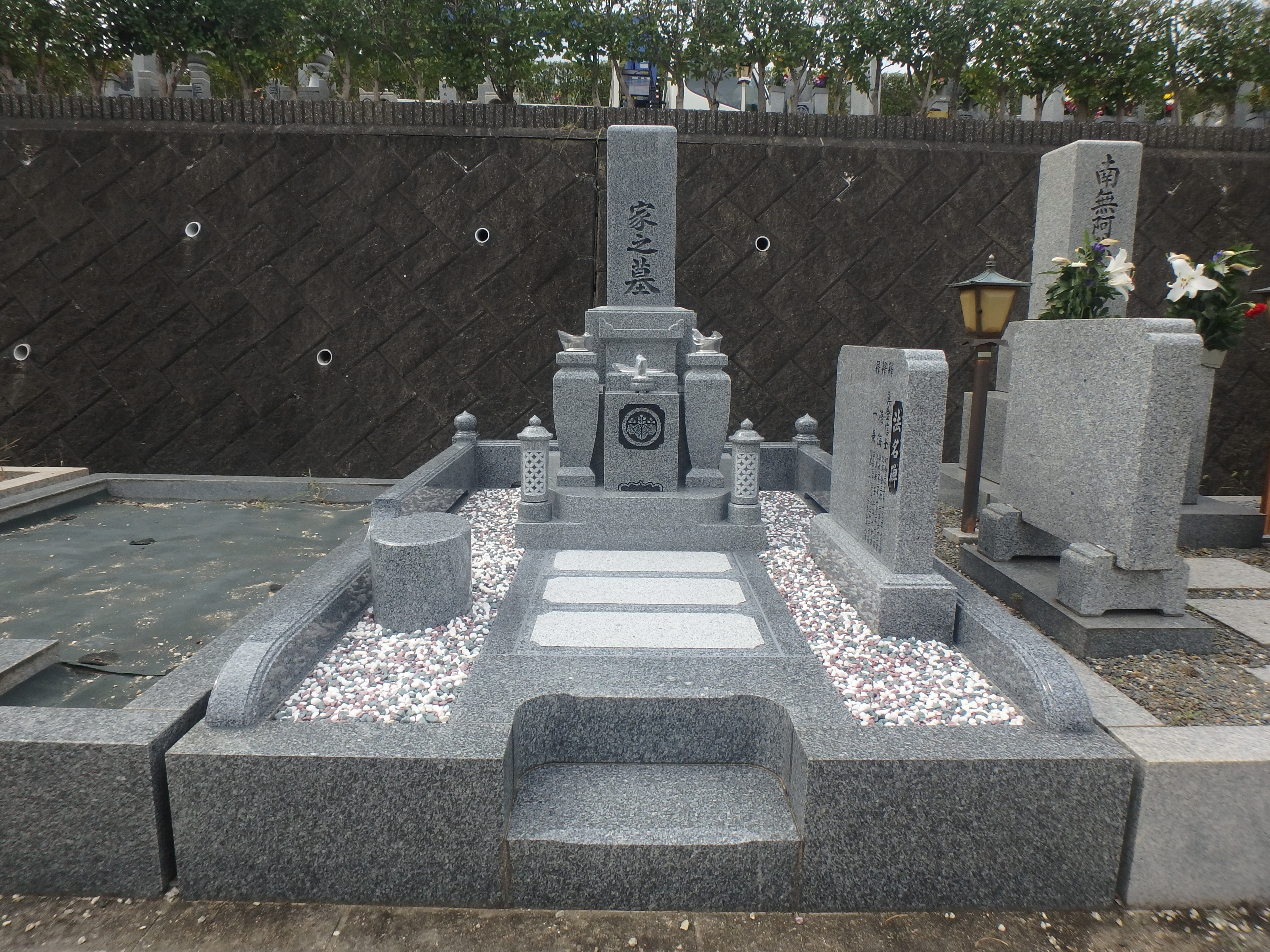 施工例2-46 堺市霊園にて大島石特級