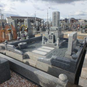 堺市西区で既存外柵に玉垣を新設し、雰囲気をがらりと『大島石 特選』のお墓工事