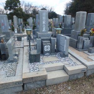 追加彫刻の際に墓所を綺麗に。+メンテナンス(色の入れ直し・植樹除去・防草対策)