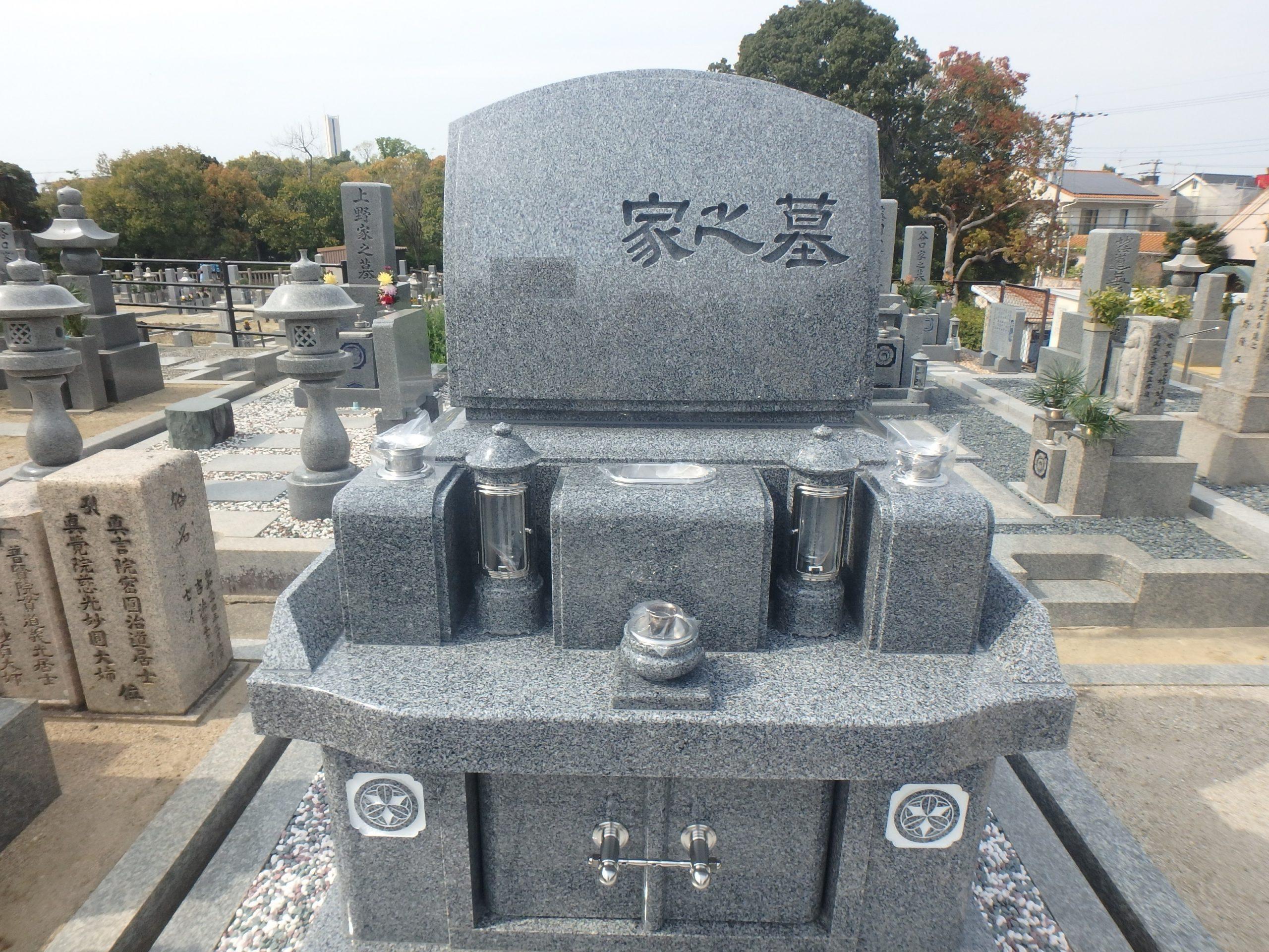 施工例3-44 納骨堂式洋型墓石 黒竜江省産K12A