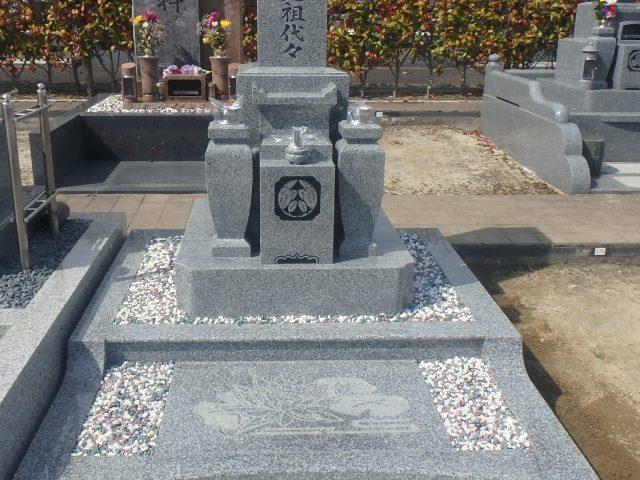 施工例2-49  飯盛霊園にて新しいお墓が出来ました。