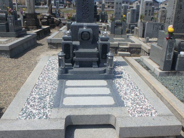 施工例2-50 滋賀県草津市に出来上がったお墓です。