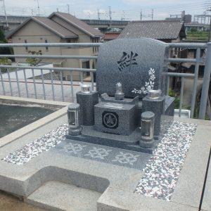 明石市に奥様をしのんで、洋型のお墓を建墓しました。